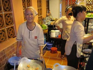 Cuisiniere Quan An Ngon