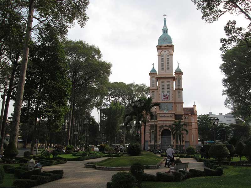 Eglise NGA SAU CHO LON