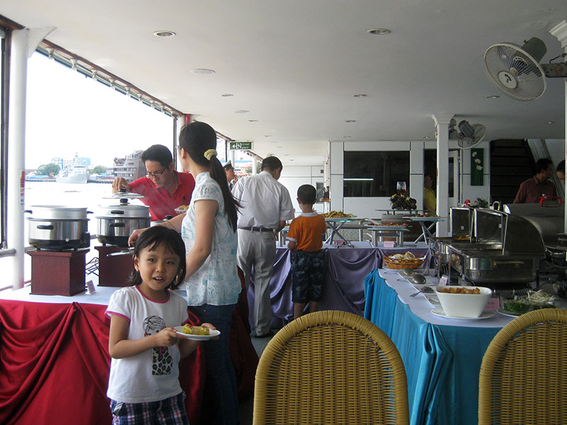 tau saigon buffet