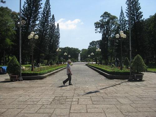 Le parc Le Van Tam